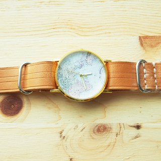 Hand-made with vegetable tanned leather strap to chart the core