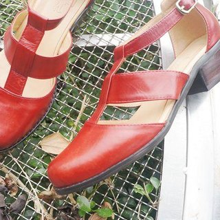 866 Picnic with jam. Roman Baotou shoes red