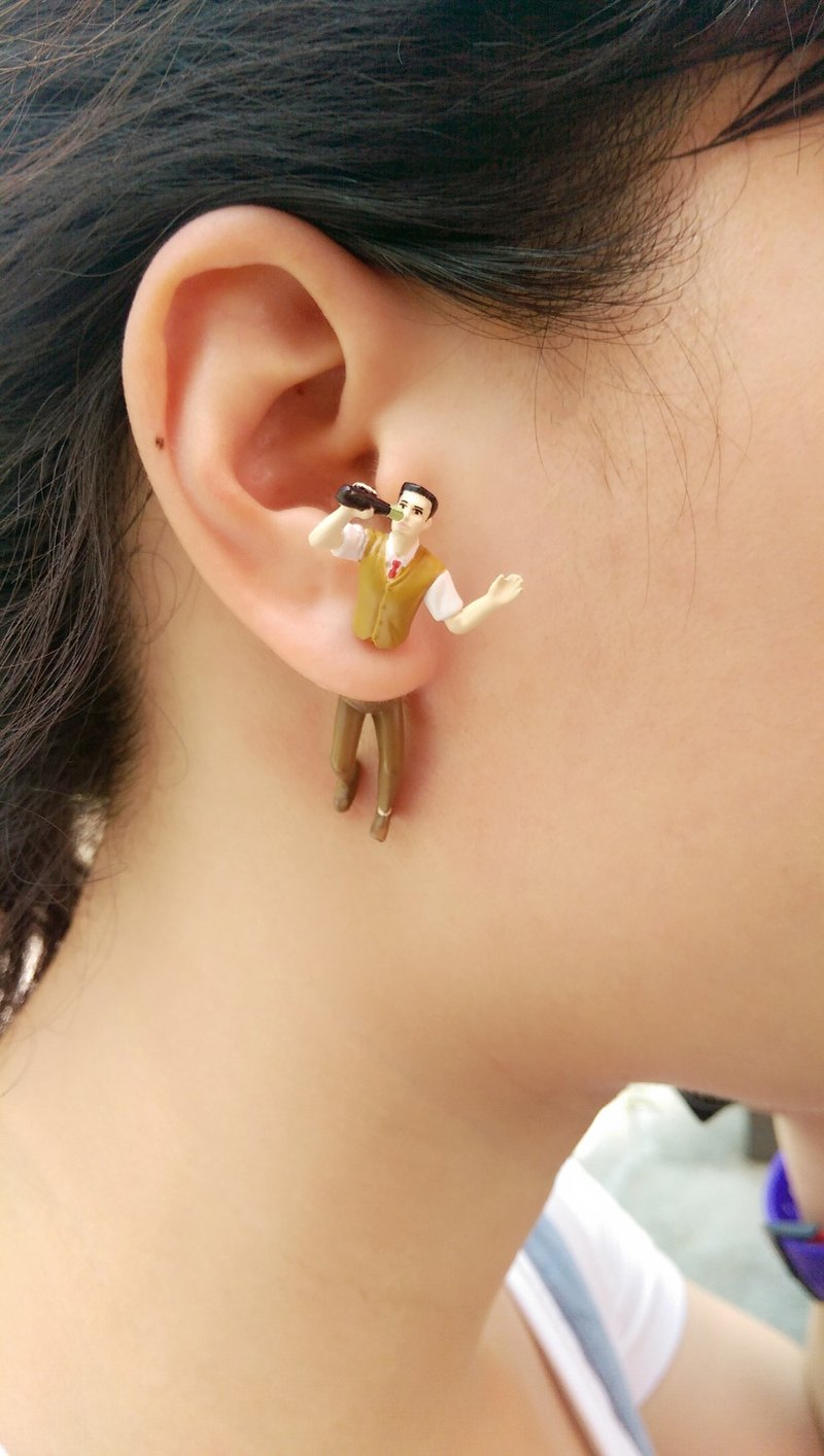 Taiwanese original Double M men and women earrings - drinking articles