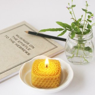 4th Floor Apartment - Feel the Essential Oil Beeswax Candle - Small Square X