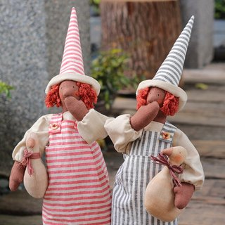 Rustic Style Good Witch Rafi and Mo Keli doll hand as a material package