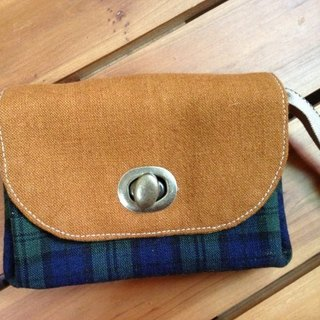 ﹝ Clare handmade cloth ﹞ classic preppy blue and green checkered cloth paragraph B * Retro turn buckle Clutch