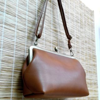 【MY。手作】Leather frame clutch purse