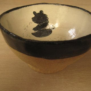 DoDo Hand Whisper. Animal Silhouette Series - Black Bear Bowl (White)