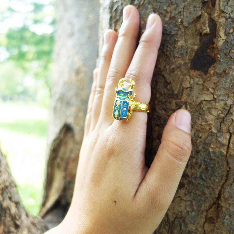Glorikami Blue Stag Beetle Ring