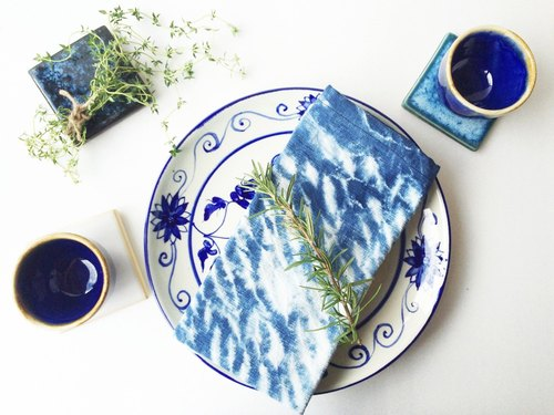 Arashi Shibori Tie-dye Hand Dyed Fabric Organic Cotton / Multipurpose Napkin / Plate Mat / Dish Towel / Tea Towel / Flour Sack / Kitchen
