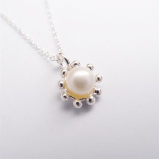 Sweet pearl sterling silver necklace