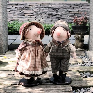 Rustic Style Tom pig trotter Mary as doll material package