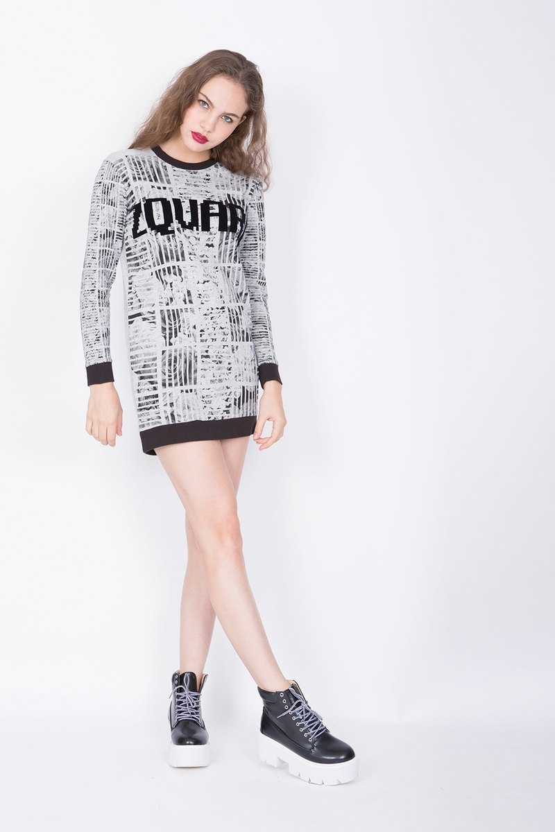 ZIZTAR Black Rose Long Sweater