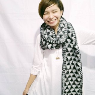 Lan wool scarves (black and white)