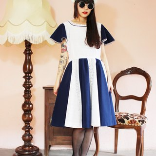 F996 (Vintage) dark blue stitching cotton white lace skirt big wave vintage dress (wedding / picnic / party)