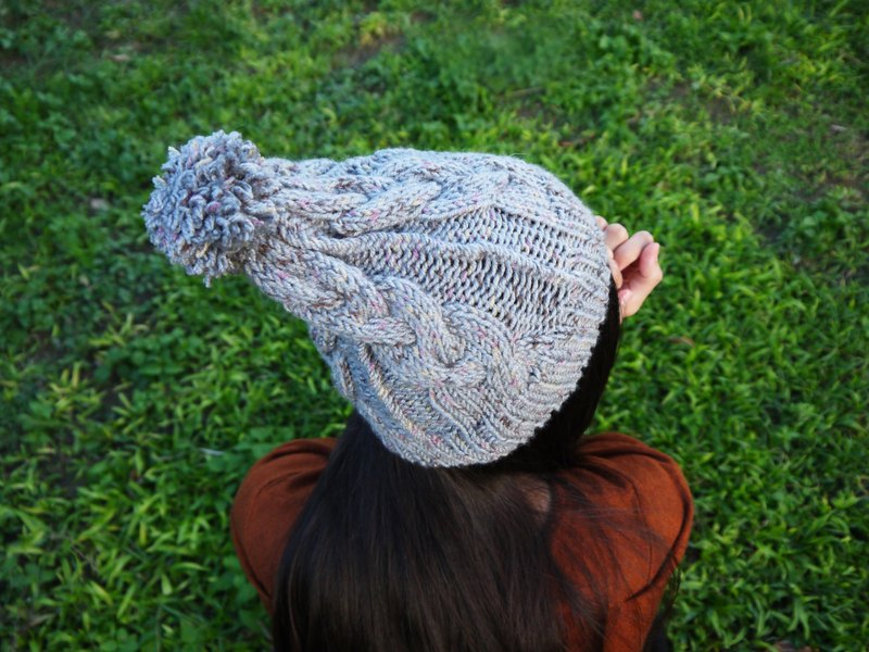 Mama 100% hand-made hat - twist weave wool cap - gray rainbow spray point - Year / gift