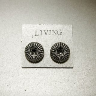 Spiro [needle] _ Earrings