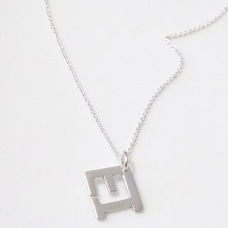 Silver necklace / two-letter design modeling fall - (Necklace / Necklace)