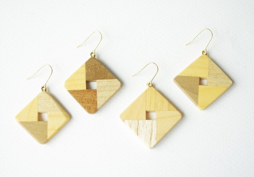 square earring(yellow)