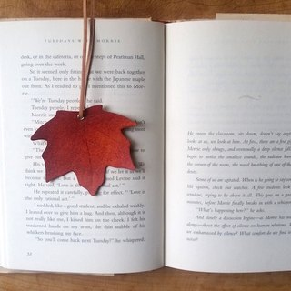 Leather leather cowhide - traveler maple leaf bookmark maple leaf red free custom-made English typing service