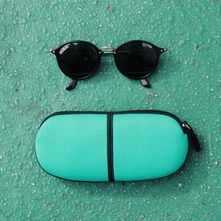 [New Colors] Capsule capsule glasses bag.