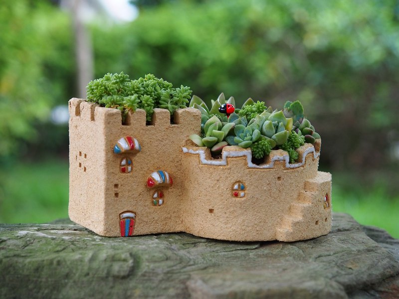 【Garden House Garden】 Tao hand for - super cute garden hut (L) / rock yellow / Ceramic House / order