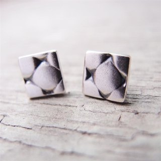 Several series of silver earrings 3