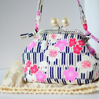 Cosmetic Frame Purse - Sakura - Portable and multiple purposes - Japanese fabric