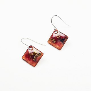 Chinese wind pattern gold enamel earrings (red)