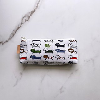 Handmade beige white kitten pattern pencil case