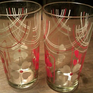 2 Vintage 13 cm glasses with Floral Pattern 2 个 13cm old glass