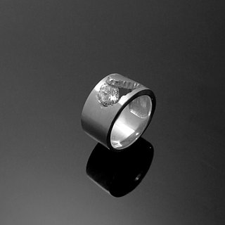 Handmade / split series - 5mm single diamond ring designer models / 925 Silver