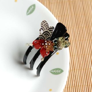 Ancient color butterfly, butterfly three claw clip, strange hand clip - red