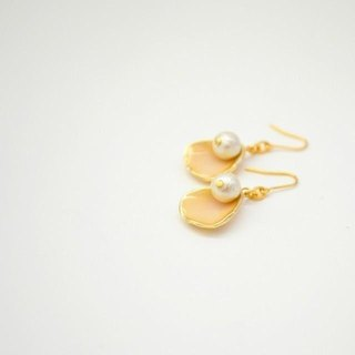 Flower Petal Pierce Earring
