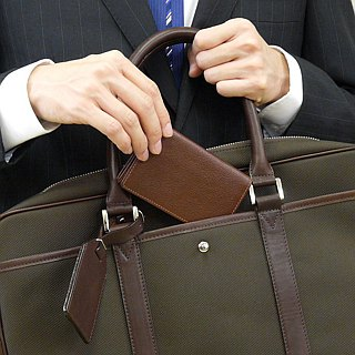 革職人 LEATHER FACTORY【Tie Business Card Case】Made in Japan