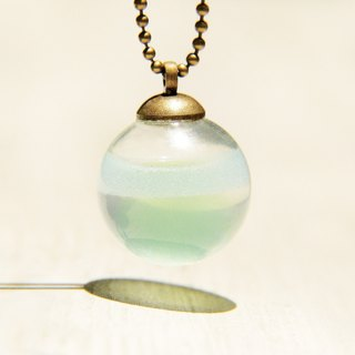 / Ocean wind / British sense of transparency glass ball necklace - fresh ocean