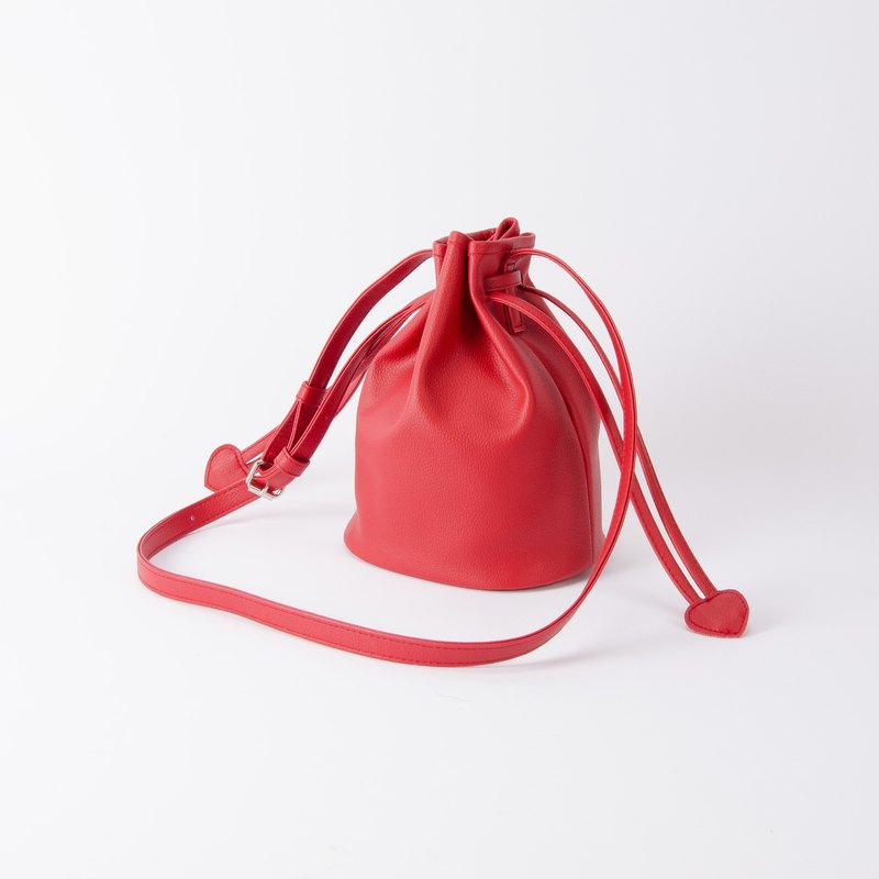 Candy tied small bucket bag portable shoulder dual-use Mira Red / beautiful red