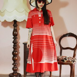 F1097 (Vintage) red white striped short-sleeved vintage dress