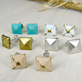 Simple pyramid earrings