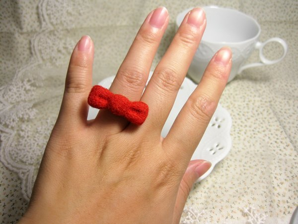 Wool Felt Ring-Pure Red