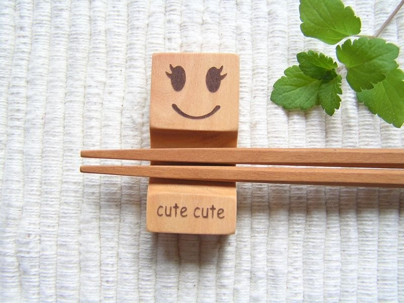 """Family Portrait"" Chopstick Rest - Cute!"