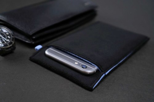 Ob2【BLACK X TRANQUIL BLUE】 Cleaning-Fiber cell phone pouch