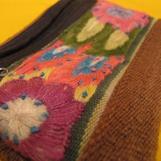 Alpaca weaving hand-embroidered stitching rectangular bag - pink flower