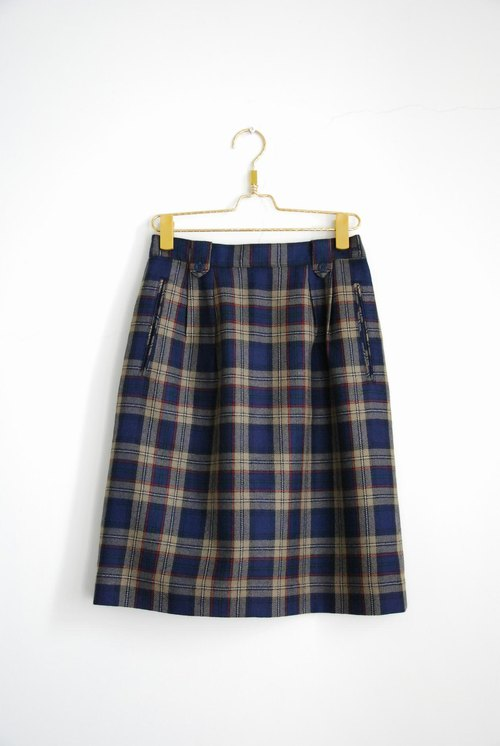 Plaid wool skirt pocket