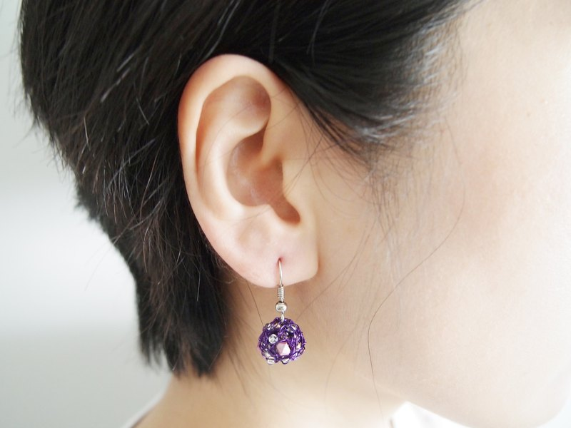 E042 romantic purple hand-woven copper lines with pink beads ball earrings