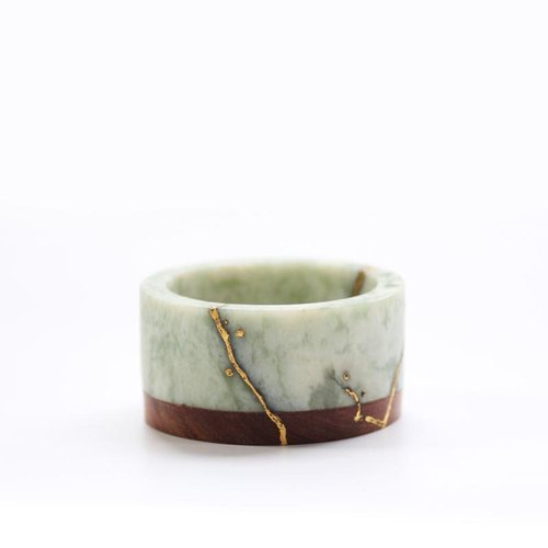 Optical pick-Kee Kim Shan Jade bracelet pear