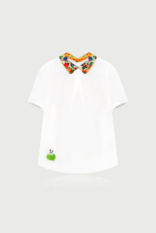 [Happy Valentine's gift] is sometimes hidden in the hope to be found / flower collar shirt