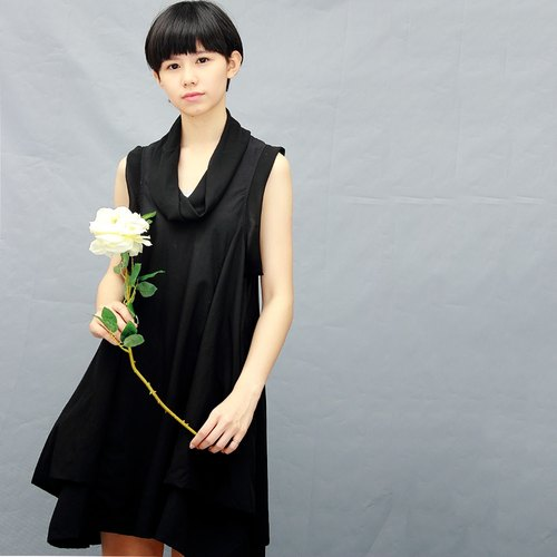 Black dress / classic black chiffon X black cotton / skirt dress