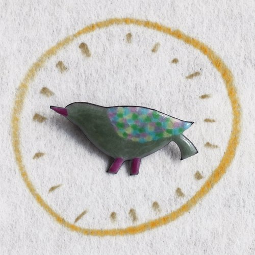 "Brooch --- ▲ MEDO ▼ ""red legs of pigeons"""