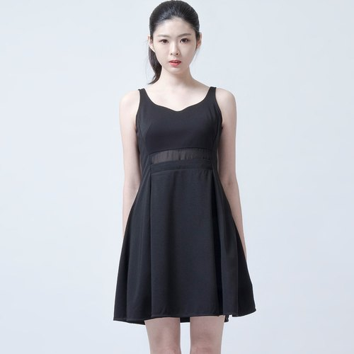腰間透明洋裝 BLACK DRESS WITH WAIST DETAILS