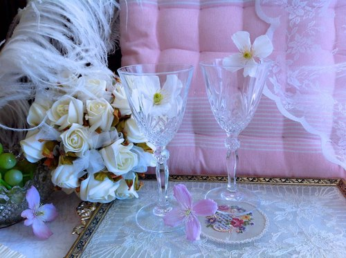 ♥ ~ ~ ♥ Anne crazy Antiquities Vintage British hand-cut crystal glass of red wine white wine glass crystal cup juice cups a gift boutiques curie