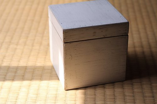Japanese wooden box ▣ white