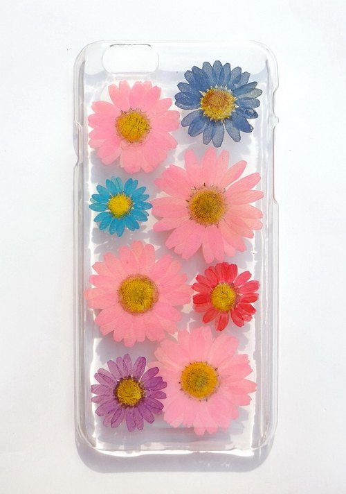 Handmade iphone 6 case, Resin with Real Flowers, Daisy Case