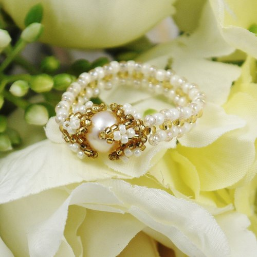Handmade jewelry woven pearl ring